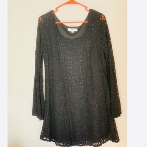 Umgee black lace bell sleeve dress L